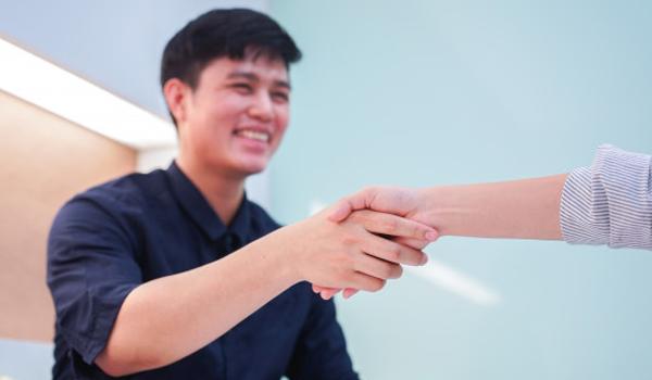 4 cách tuyệt vời để chào đón nhân viên mới